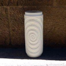 Jarrón Alemán de porcelana Biscuit Op Art, 70s