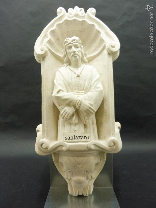 FIGURA DECORATIVA DE ESCAYOLA JESUS ATADO DE MANOS 470 X 210 MM PESO + DE 8 KG. F208 (Vintage - Decoración - Porcelanas y Cerámicas)