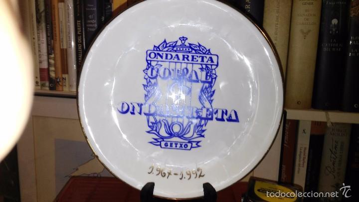 PLATO CERAMICA TUIG-TEY 25 ANIVERSARIO CORAL ONDARRETA GETXO (Vintage - Decoración - Porcelanas y Cerámicas)