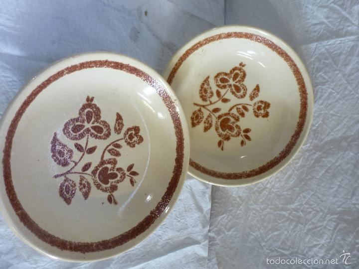 PAREJA DE PLATOS DECORTIVOS, EN CERÁMICA TIPO GRES. (Vintage - Decoración - Porcelanas y Cerámicas)