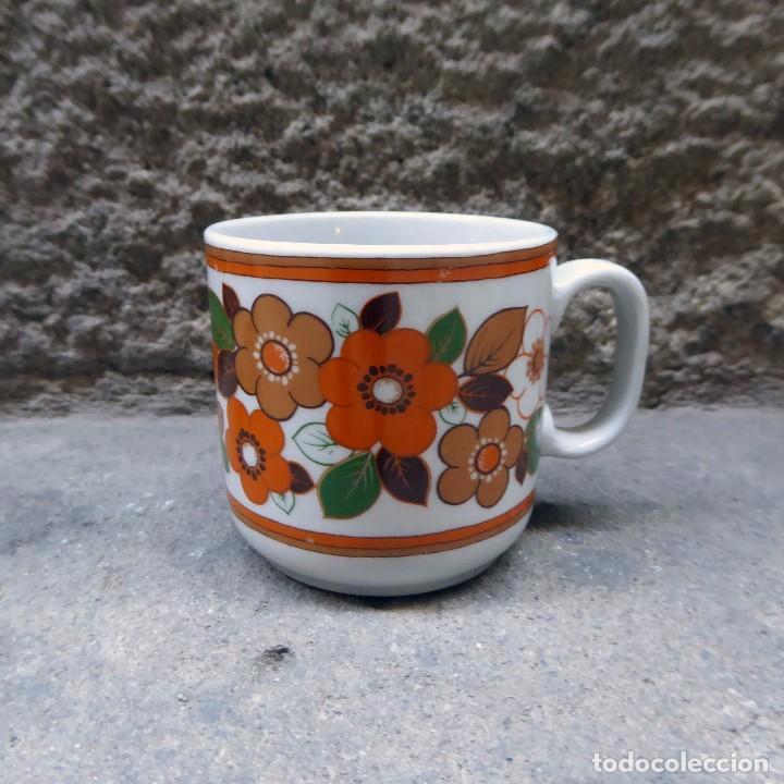 Vintage: 2 tazas de café en porcelana Monopoli, 60s - Foto 2 - 69987581
