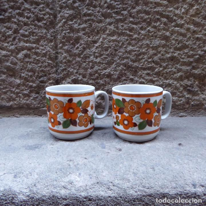 Vintage: 2 tazas de café en porcelana Monopoli, 60s - Foto 4 - 69987581