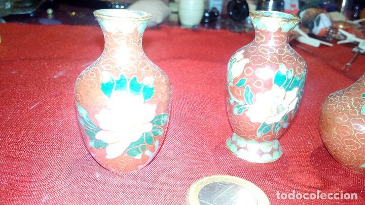 vintage lote de pequeos jarrones decorativos pintados florales y esmaltes foto