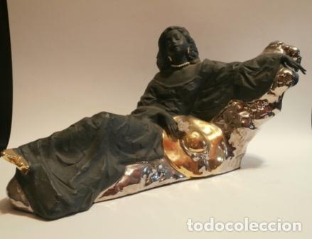 DAMA TUMBADA DE NADAL (Vintage - Decoración - Porcelanas y Cerámicas)