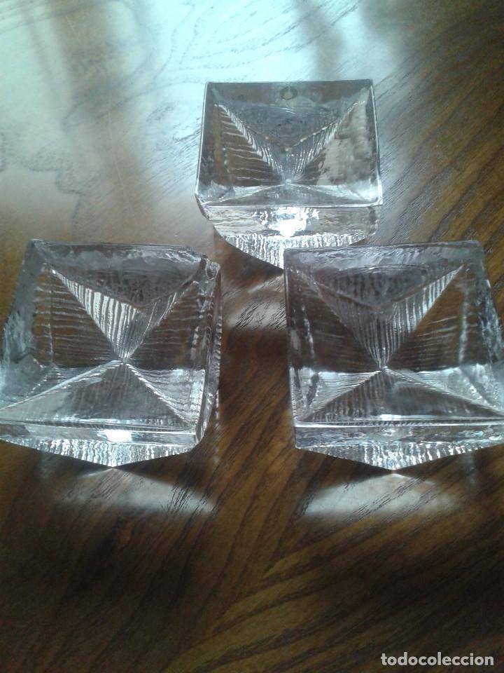 LOTE DE TRES CENICEROS CRISTAL. AÑOS 60 (Vintage - Decoración - Cristal y Vidrio)