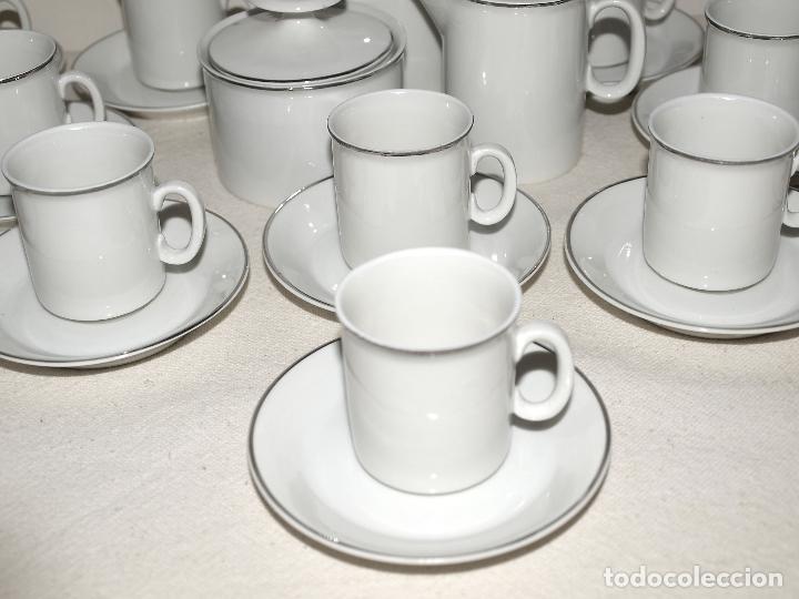 Vintage: JUEGO DE CAFE 12 SERVICIOS DE PORCELANA BLANCA Y FILO EN PLATA. VER FOTOS Y DESCRIPCION. - Foto 6 - 94144100