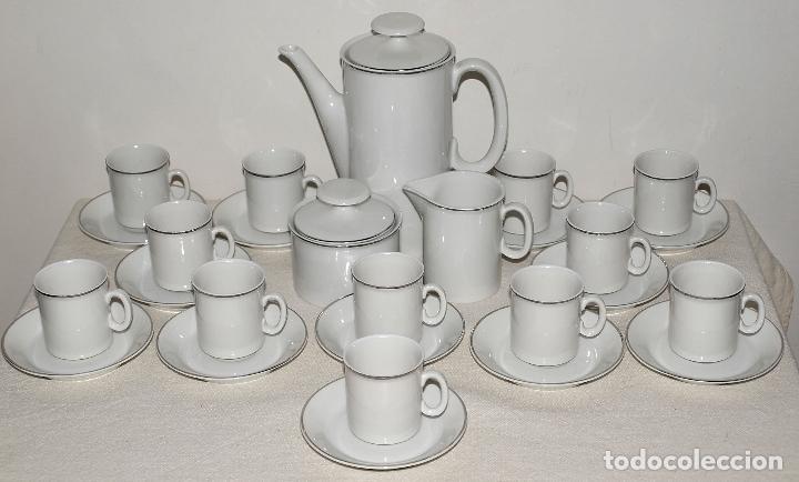 Vintage: JUEGO DE CAFE 12 SERVICIOS DE PORCELANA BLANCA Y FILO EN PLATA. VER FOTOS Y DESCRIPCION. - Foto 22 - 94144100
