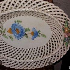Vintage: ANTIGUA FUENTE DECORATIVA LABRADA DE CERÁMICA. Lote 102446608