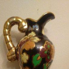 Vintage - jarron de ceramica decorado con dorados - 103162811
