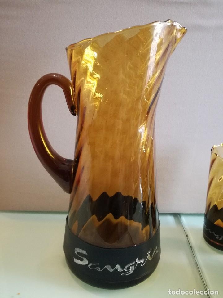 Vintage: Juego de 5 vasos y jarra de sangría años 70. Cristal ambar. Vintage - Foto 3 - 111543423