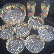 Vintage: CONJUNTO FUENTE ENSALADERA + 6 BOL FRUTAS + 2 VASOS PINTADO AÑOS 60. Lote 113073367