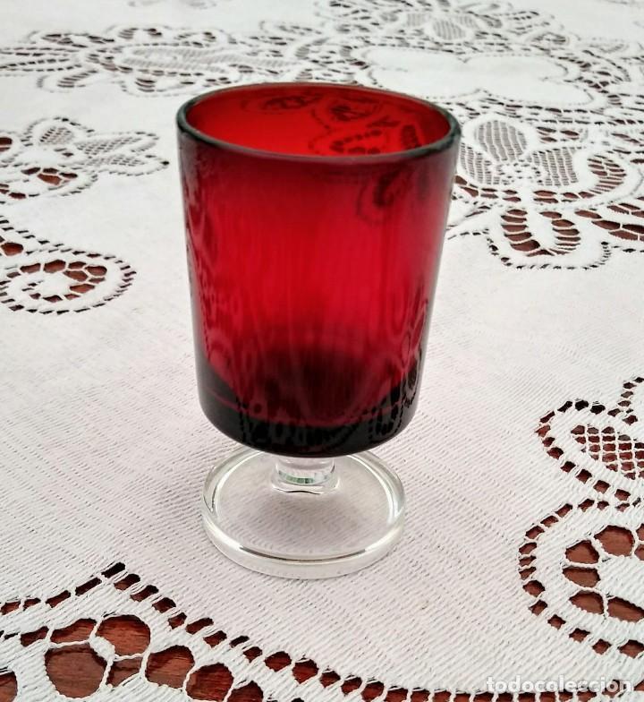 Vintage: 4 copas originales años 60 rojas rubí vintage diametro 4cm altura 7,2cm IMPECABLES - COMO NUEVAS - Foto 4 - 117446059