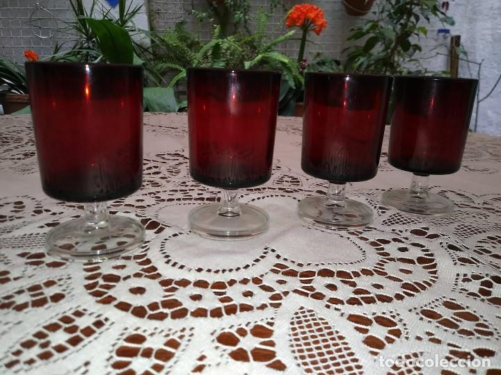 4 copas originales años 60 rojas rubí vintage diámetro 5 cm altura 9,2 cm IMPECABLE ESTADO