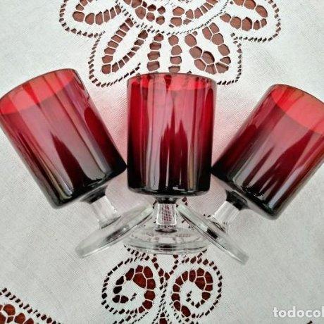 3 copas originales años 60 rojas rubí vintage diámetro 5,9 cm altura 10,5 cm IMPECABLE ESTADO