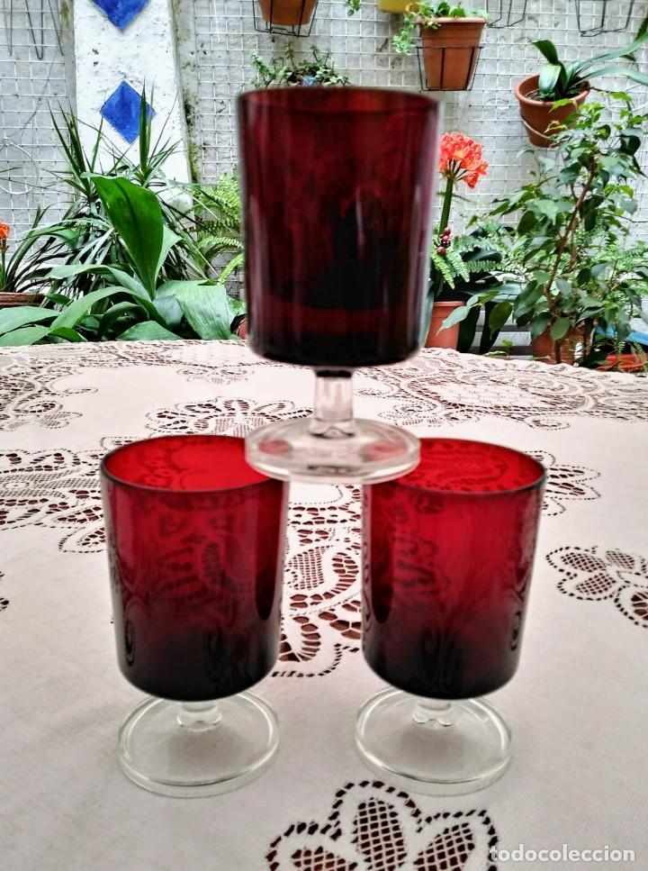 Vintage: 3 copas originales años 60 rojas rubí vintage diámetro 5,9 cm altura 10,5 cm IMPECABLE ESTADO - Foto 3 - 117446879
