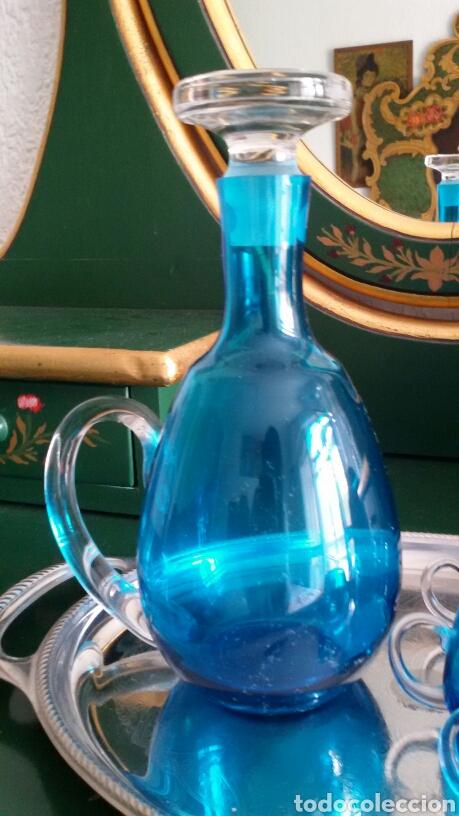 Vintage: Conjunto para licor en cristal azul turquesa. Jarra con tapón y 5 vasos. Años 70. Bandeja de regalo. - Foto 3 - 117613440