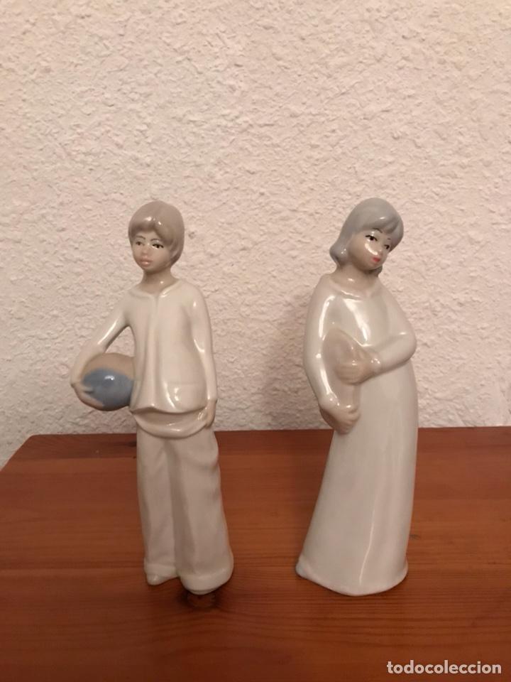 FIGURAS DE PORCELANA FIRMADAS TITO MADE IN SPAIN (Vintage - Decoración - Porcelanas y Cerámicas)