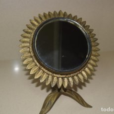 Vintage: ESPEJO GIRASOL DE TOCADOR EN HIERRO . Lote 124329723