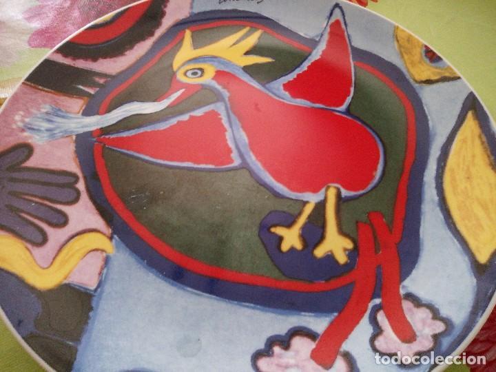 Vintage: Precioso plato de porcelana con pájaro, comeine. muy colorido. - Foto 2 - 125094399