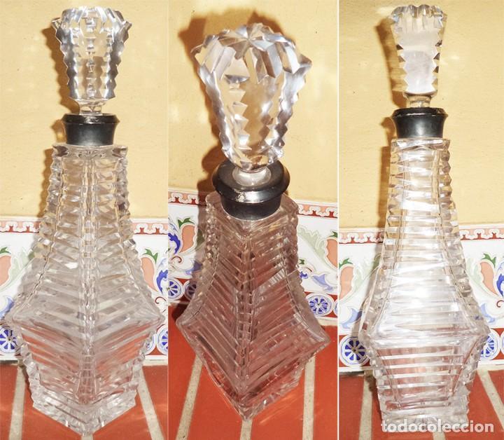 VINTAGE ANTIGUA BOTELLA CRISTAL ART DECO BOCA EN PLATA Y TAPÓN EN CRISTAL 34 CM DE ALTA 26 SIN TAPÓN (Vintage - Decoración - Cristal y Vidrio)