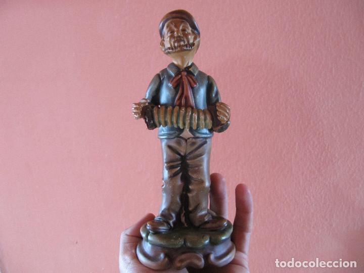 Figura vintage de anciano con acordeon soval ar kaufen porzellan
