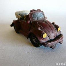 Vintage: COCHE CLÁSICO VOLKSWAGEN ESCARABAJO / VW. BEETLE - DE CERÁMICA - DESCAOTABLE. Lote 129223347