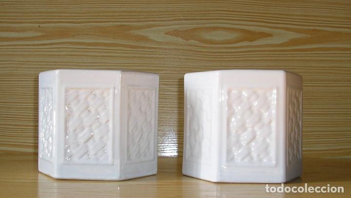 Vintage: Pareja de maceteros de ceramica esmaltada en blanco - Foto 2 - 156673710