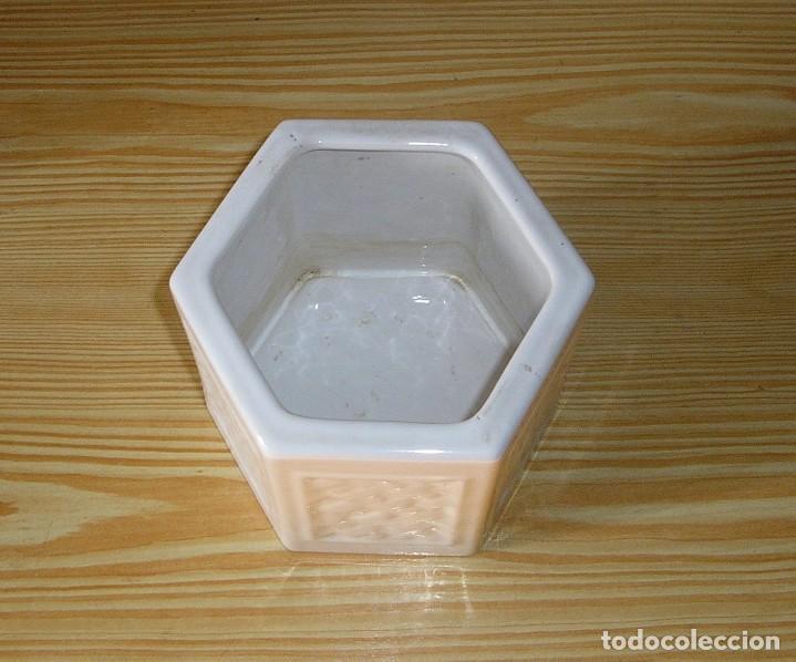 Vintage: Pareja de maceteros de ceramica esmaltada en blanco - Foto 3 - 156673710