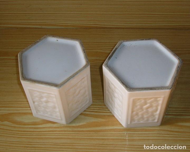 Vintage: Pareja de maceteros de ceramica esmaltada en blanco - Foto 4 - 156673710