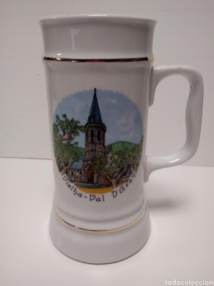 JARRA DE PORCELANA RECUERDO VIELHA-VAL D'ARAN (Vintage - Decoración - Porcelanas y Cerámicas)
