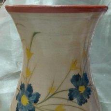 Vintage: JARRÓN DE BARRO PINTADO A MANO. Lote 140658626