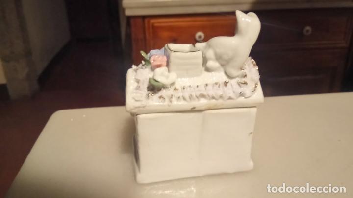 Vintage: Antigua cesta joyero de porcelana con flores y gato - Foto 3 - 141330166
