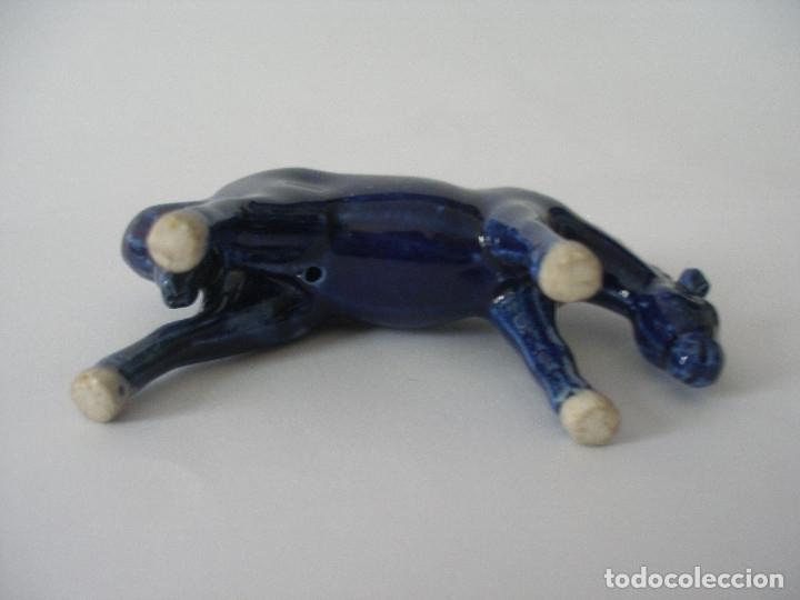 Vintage: Pareja de caballos porcelana azul cobalto años 60 - 70 - Foto 7 - 136362370