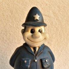 Vintage: GB UK FIGURA POLICIA INGLES EN CERAMICA MUY PESADO - 21.CM ALTO APROX. Lote 142335566