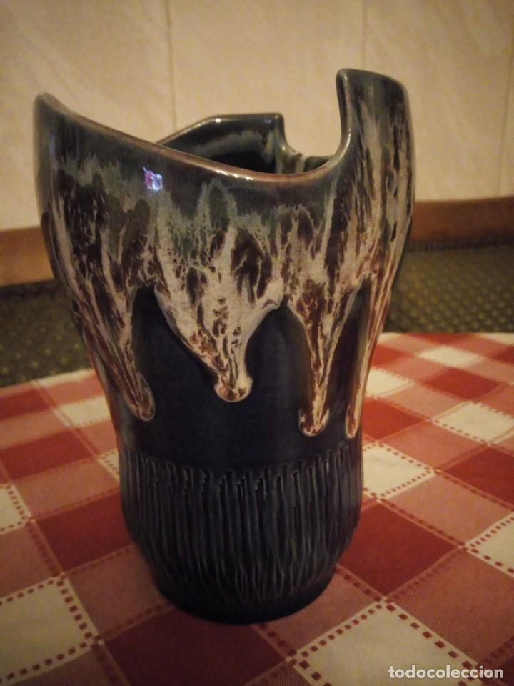 Vintage: Precioso jarrón de cerámica vidriado, tono azul y vetas de marrón. - Foto 4 - 146444186