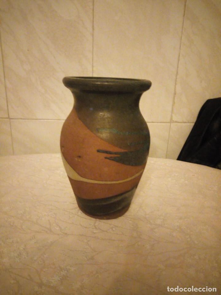 JARRÓN DE CERÁMICA ,SELLADO. (Vintage - Decoración - Porcelanas y Cerámicas)
