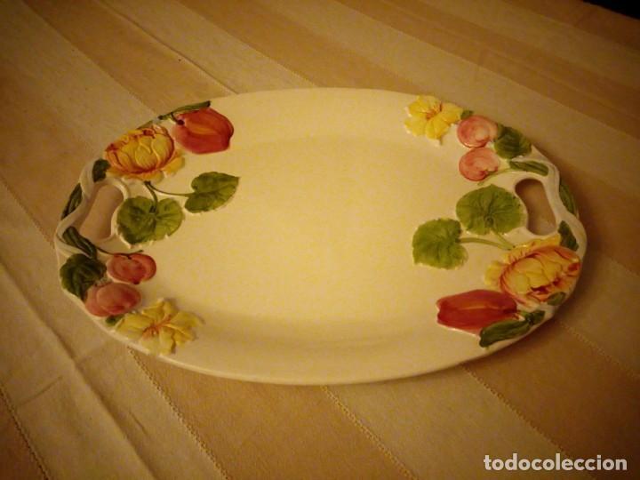 Vintage: Preciosa fuente de ceramica con flores en relieve,casual dining.Gran tamaño. - Foto 2 - 151624134
