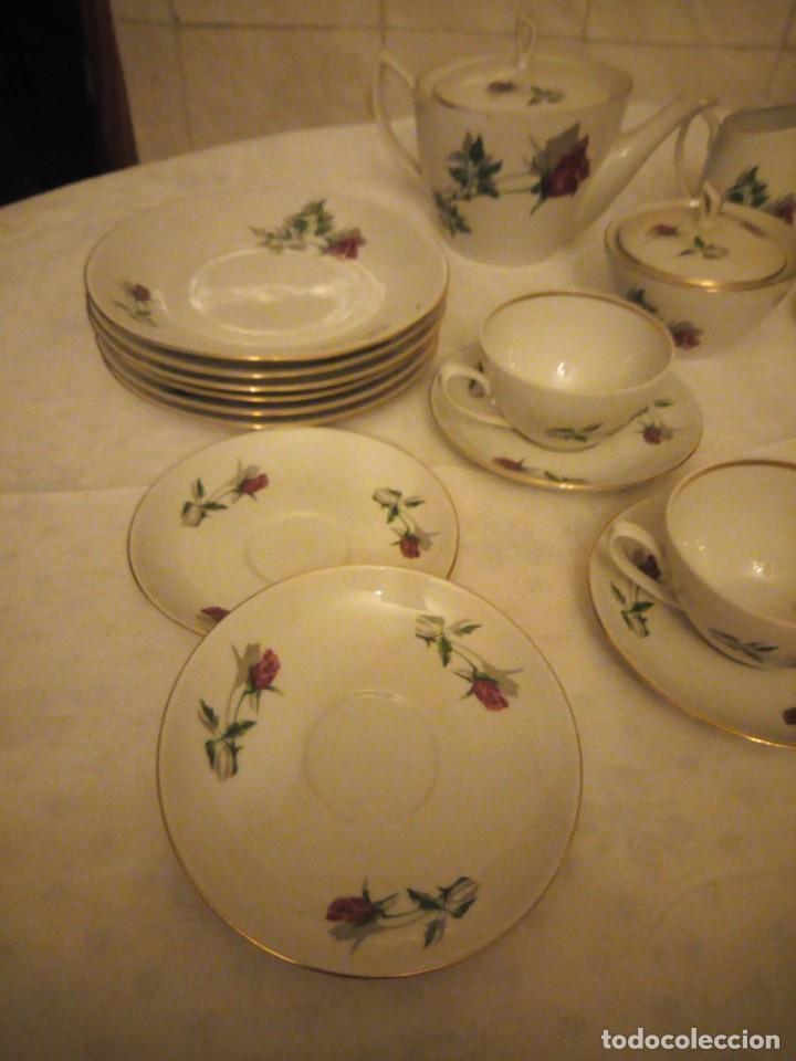 Vintage: Preciosa vajilla de café y postre de porcelana decorada con rosas rojas,no tiene marca - Foto 2 - 152370434