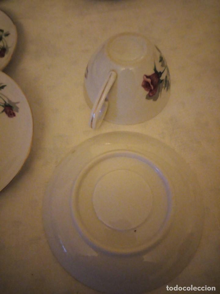 Vintage: Preciosa vajilla de café y postre de porcelana decorada con rosas rojas,no tiene marca - Foto 8 - 152370434