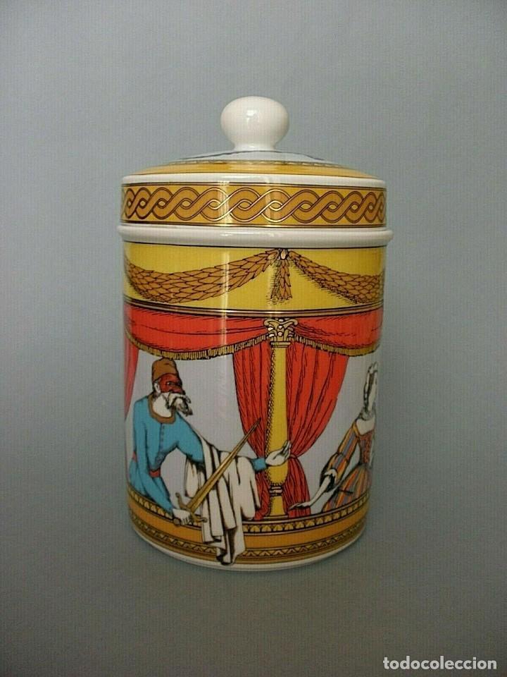 PIERO FORNASETTI MILANO ROSENTHAL JARRON BOMBONERA PORCELANA LA COMEDIA DEL ARTE (Vintage - Decoración - Porcelanas y Cerámicas)