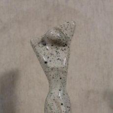 Vintage - figura mujer en ceramica - 152700862