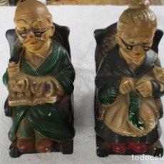Vintage: PAREJA HUCHAS ABUELOS EN MECEDORA EIHO MADE IN JAPAN EN CERÁMICA AÑOS 70 - 14 CM DE ALTURA. Lote 152902598