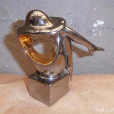 Vintage: FIGURA DE MUJER - PORCELANA GALOS -1987. Lote 153457838