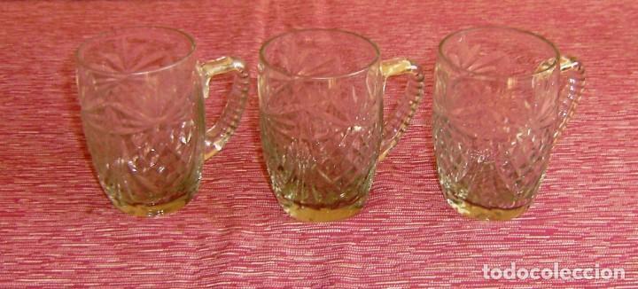 3 JARRITAS DE VIDRIO TALLADO. (Vintage - Decoración - Cristal y Vidrio)