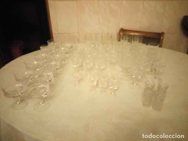 ANTIGUA CRISTALERÍA COMPUESTA DE 55 PIEZAS,VINO,CHAMPAGNE,COCTEL,LICOR,AÑOS 70 (Vintage - Decoración - Cristal y Vidrio)