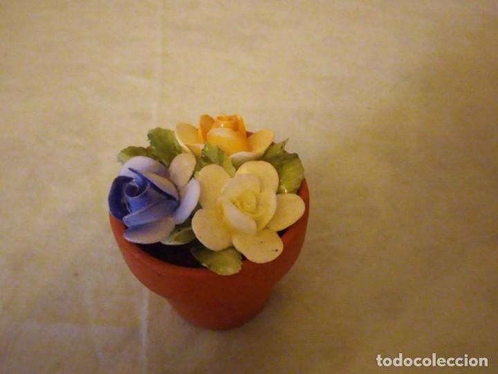 Vintage: Bonita maceta con flores de porcelana,sellada. - Foto 4 - 159412662