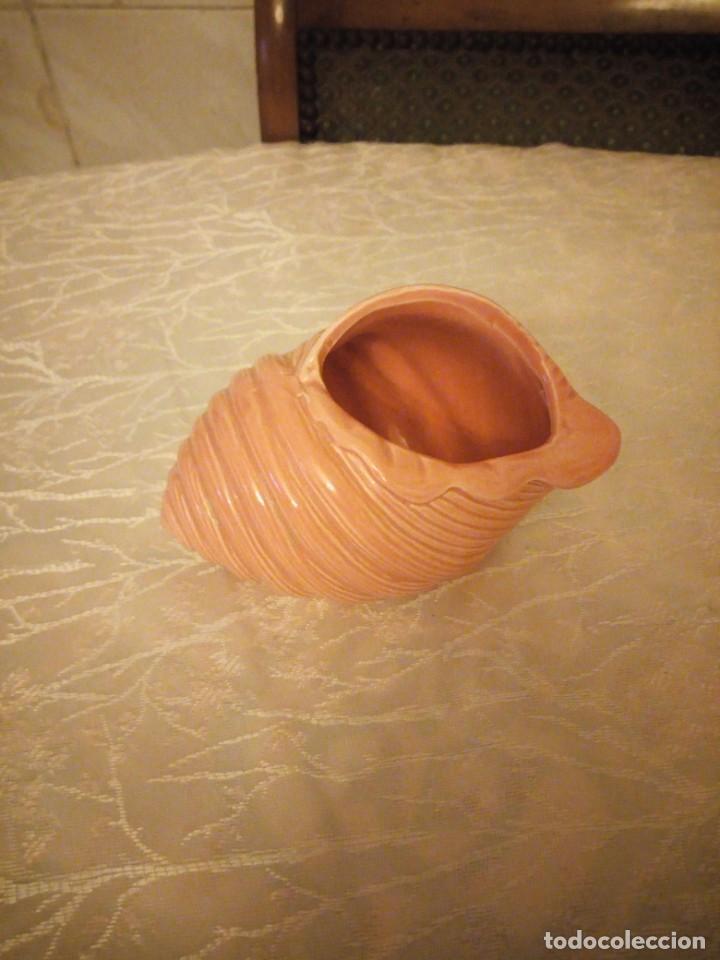 Vintage: Bonito macetero para cactus de cerámica forma de caracola,color rosa salmon. - Foto 2 - 159889034