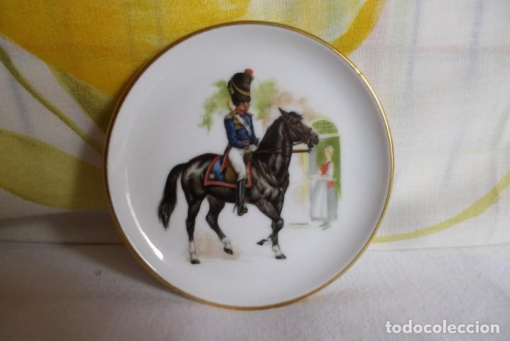 PLATITO PORCELANA JKW BABARIA-SOLDADO (Vintage - Decoración - Porcelanas y Cerámicas)