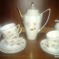 Vintage: JUEGO DE CAFE EN PORCELANA AÑOS 70. Lote 160950682