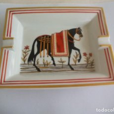 Vintage: CENICERO DE PORCELANA HERMÉS-PARIS, MADE IN FRANCE. CABALLO. ASHTRAY HORSE PORCELAIN . Lote 161878938